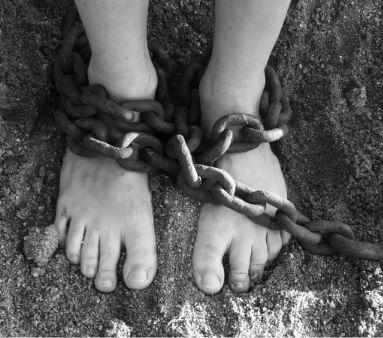 ak sa necháme ovládať inými stávame sa obeťou